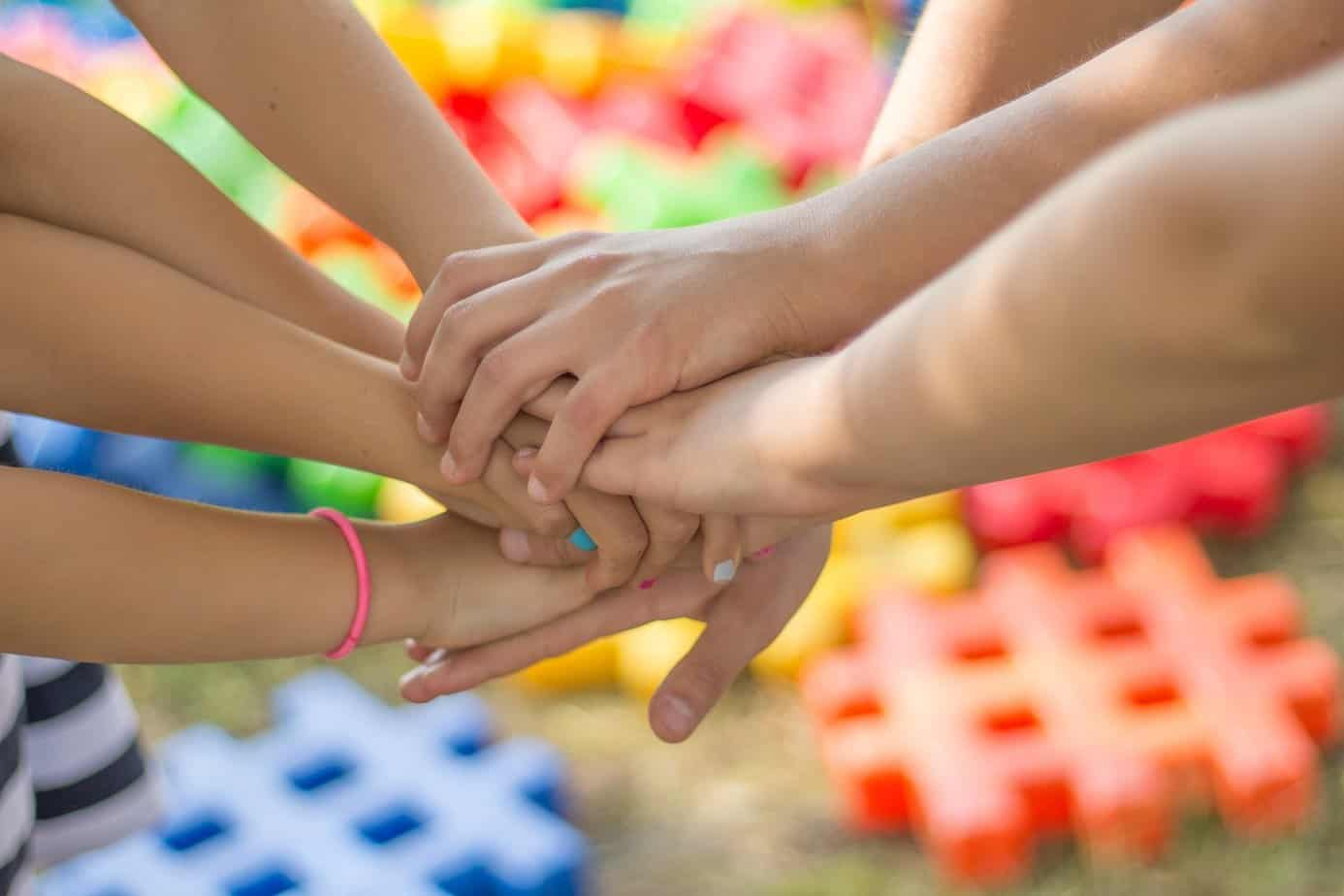 семейство-ръце