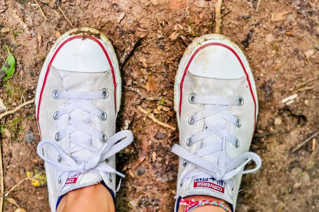 бели-обувки