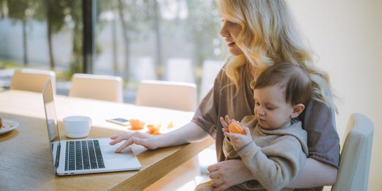 seo-майка-бебе-работа-жена