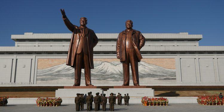 Северна Корея-паметник